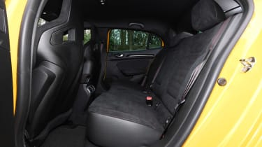 Renault Megane R.S. Trophy - rear seats