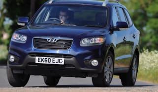 Hyundai Santa Fe front cornering