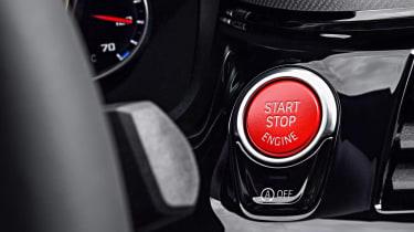 BMW M5 - start/stop