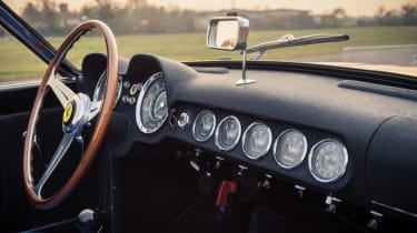 Ferrari 250 GT LWB California Spider Competizione - dashboard