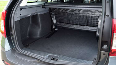 Triple test - Logan MCV Stepway - boot
