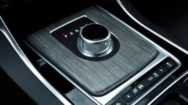 Jaguar XF 2.0d 2016 - gear selector
