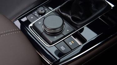 Mazda CX-30 - control