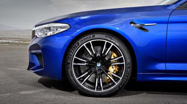 BMW M5 - side detail