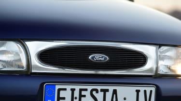 Ford Fiesta Mk4 - grille