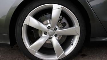 Audi S8 wheel