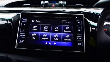 Toyota Hilux - infotainment