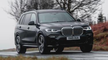 BMW X7 - front cornering