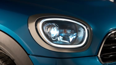 New MINI Countryman - front light detail