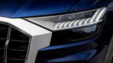 Audi SQ8 - front lights
