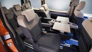 Volkswagen T7 Multivan - seat layout