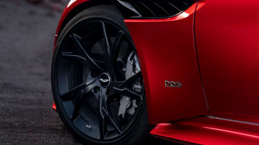 Aston Martin DBS Superleggera - wheel