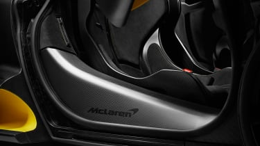 McLaren Senna Carbon Theme - detail