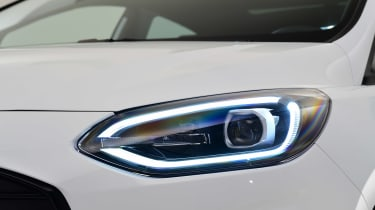 Ford Fiesta facelift - front light