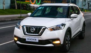 Nissan Kicks SUV - front tracking