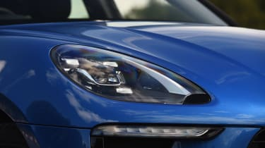 Porsche Macan - front light