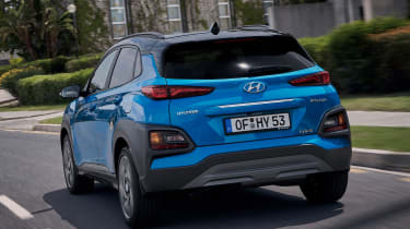 Hyundai Kona hybrid - rear tracking