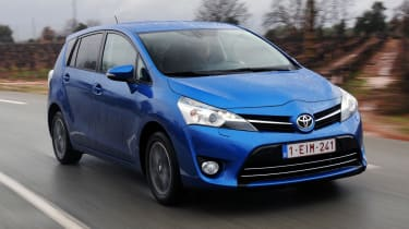 Toyota Verso front tracking