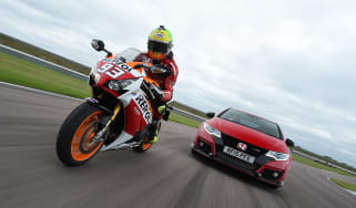 Honda Civic Type R track battle