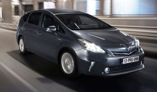 Toyota Prius+ front tracking