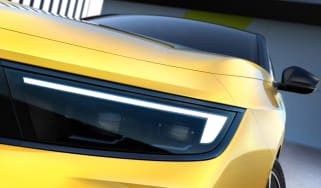 Vauxhall Astra teaser 1
