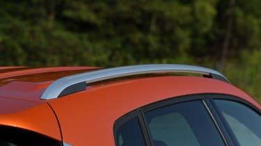 SEAT Arona roof rail
