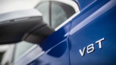 Audi SQ7 - V8 T badge