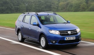 Dacia Logan MCV front action