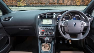 New DS 4 diesel UK drive interior