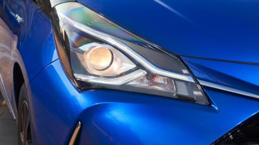Toyota Yaris Hybrid Bi-Tone - front light detail