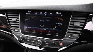 Vauxhall Astra - Navigation