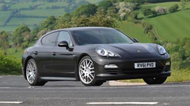 Porsche Panamera side tracking