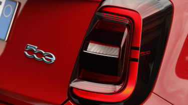 Fiat 500(RED) - rear badge