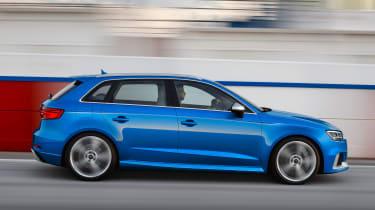 Audi RS3 Sportback 2017 - side tracking