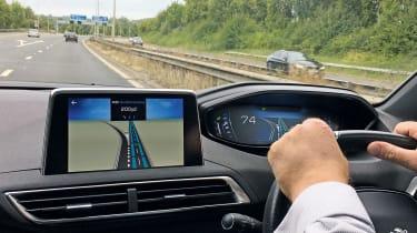 Peugeot 5008 GT Line - driving