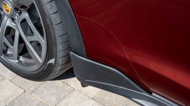 Porsche Taycan Cross Turismo - cladding