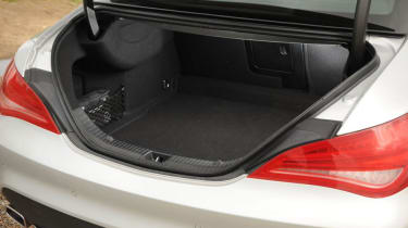 Used Mercedes CLA - boot