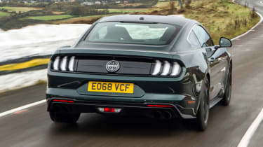 ford mustang rear tracking