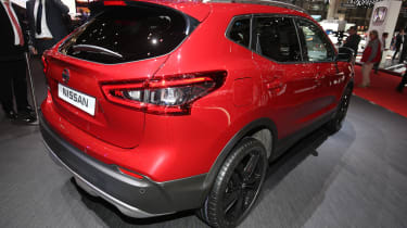 Facelifted Nissan Qashqai show - rear red