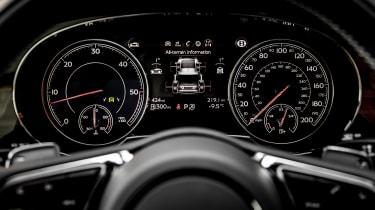 Bentley Bentayga Diesel - Ice white 2017 instruments
