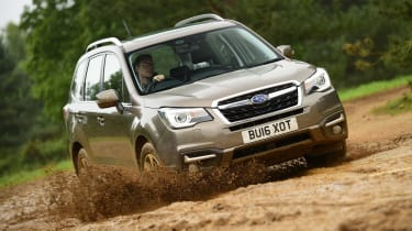 Subaru Forester - front off-road