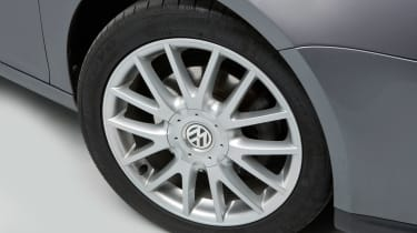 Volkswagen Golf Mk5 (used) - wheel