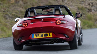 Mazda MX-5 1.5 - rear action