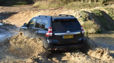 New Toyota Land Cruiser 2016 rear offroad