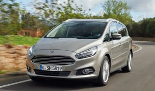 Ford S-MAX Titanium tracking