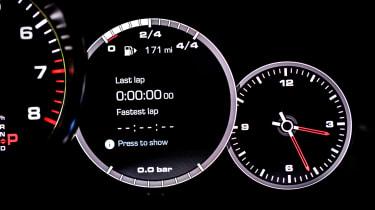 Porsche Cayenne Turbo - lap timer