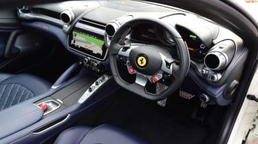 Ferrari GTC4 Lusso T - cabin