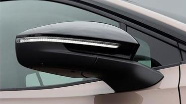 Volkswagen ID.6 - mirror