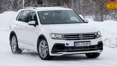 Volkswagen Tiguan R - spyshot 1