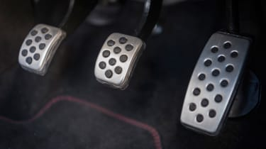 Vauxhall Adam S Rocks 2016 - pedals